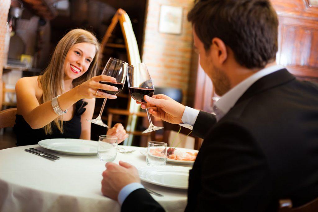 evliliğinizi renklendirmek için yapabileceğiniz etkinlikler
